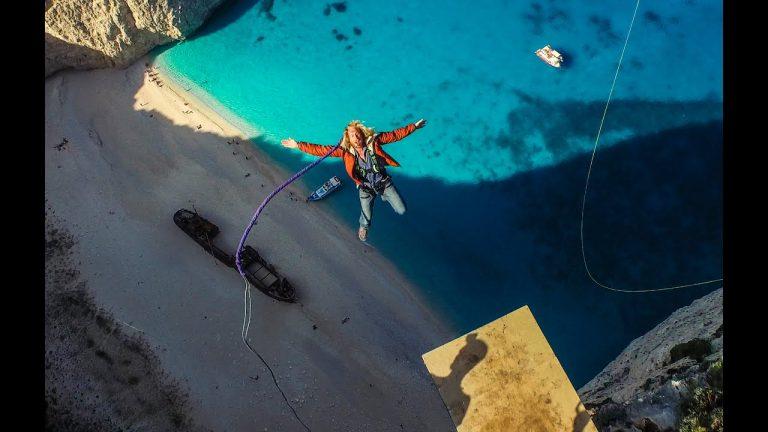 Η ελεύθερη πτώση του Devin Super Tramp στο ναυάγιο της Ζακύνθου
